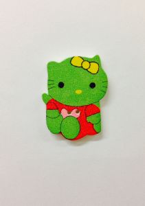 Hello Kitty Wooden Button 32 x 23 mm